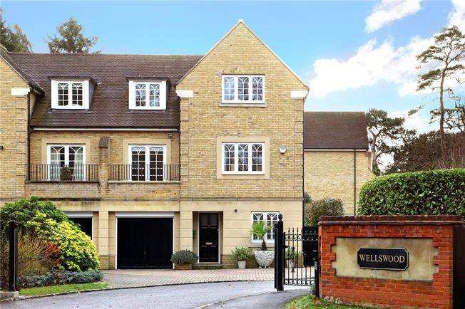Guide Price £1,195,000, 4 Bedroom Semi Detached House For Sale in Ascot, SL5