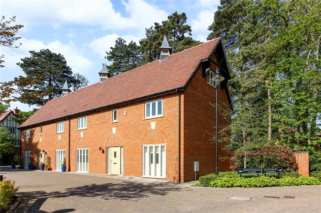 Guide Price £980,000, 4 Bedroom Semi Detached House For Sale in Ascot, SL5