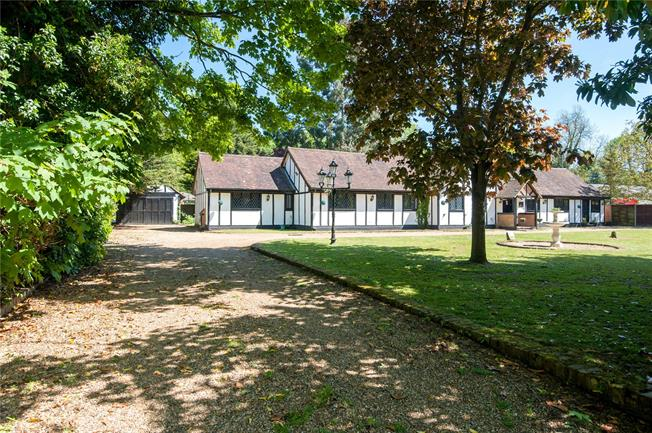 Guide Price £1,300,000, 5 Bedroom Detached House For Sale in Egham, TW20