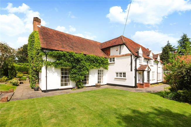 Guide Price £1,750,000, 4 Bedroom Detached House For Sale in Woking, Surrey, GU24