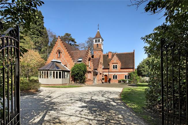 Asking Price £2,000,000, 5 Bedroom Detached House For Sale in Surrey, GU20