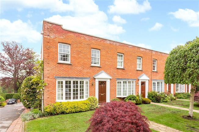 Guide Price £475,000, 2 Bedroom End of Terrace House For Sale in Ascot, SL5