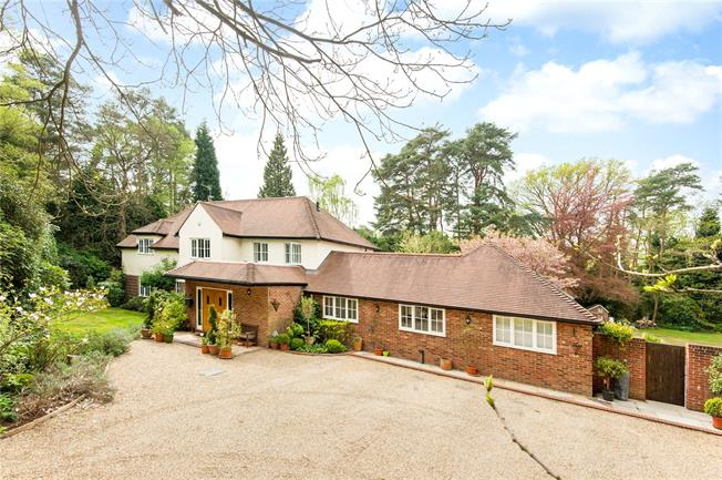 Guide Price £1,950,000, 5 Bedroom Detached House For Sale in Ascot, SL5