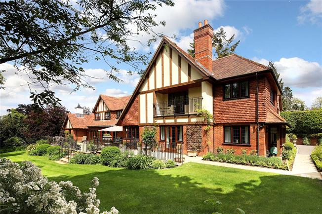 Guide Price £4,000,000, 6 Bedroom Detached House For Sale in Ascot, Berkshire, SL5