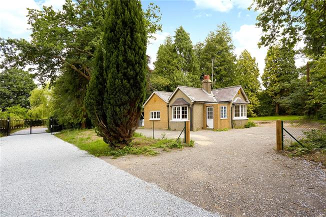 Offers in excess of £475,000, 2 Bedroom Bungalow For Sale in Chertsey, Surrey, KT16