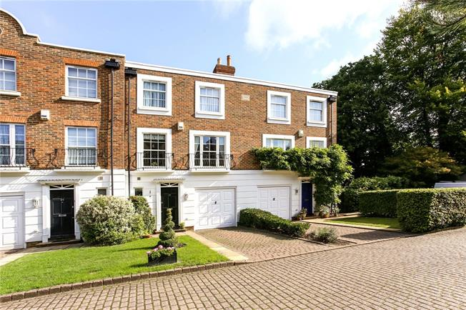 Guide Price £850,000, 4 Bedroom Terraced House For Sale in Ascot, SL5