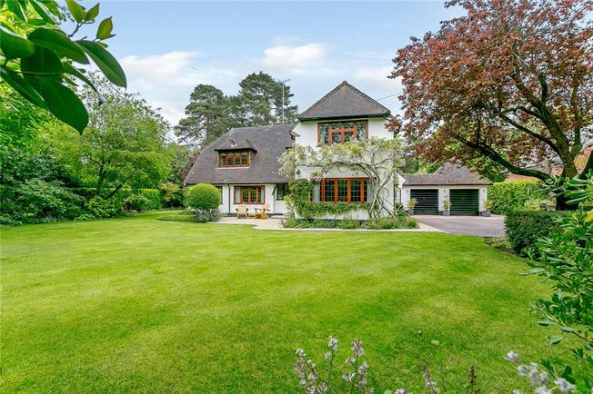 Guide Price £2,000,000, 4 Bedroom Detached House For Sale in Virginia Water, GU25