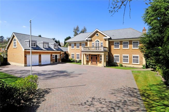 Guide Price £2,750,000, 5 Bedroom Detached House For Sale in Ascot, Berkshire, SL5