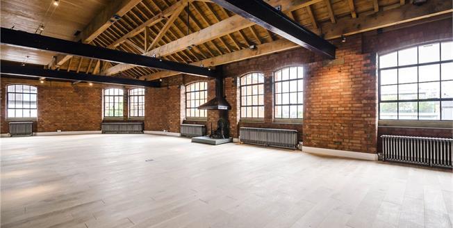 Asking Price £2,650,000, 2 Bedroom Flat For Sale in 170 - 172 Tower Bridge, L, SE1