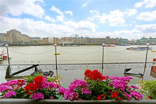 Asking Price £1,950,000, 2 Bedroom Flat For Sale in 32 Shad Thames, London, SE1