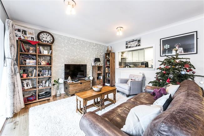 Asking Price £935,000, 2 Bedroom Flat For Sale in London, SE1