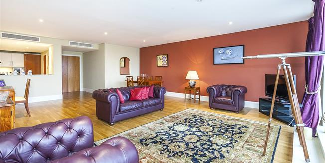 Asking Price £1,850,000, 2 Bedroom Flat For Sale in London, SE1