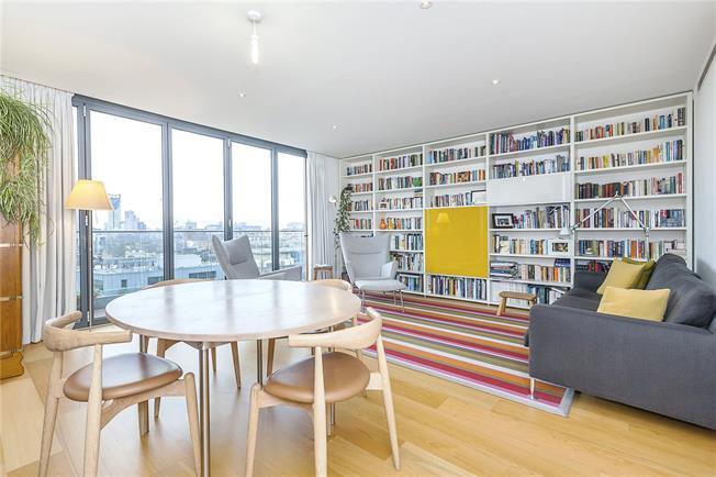 Asking Price £1,395,000, 3 Bedroom Flat For Sale in London, SE1