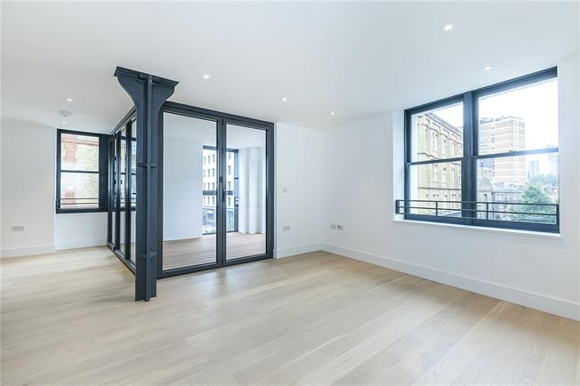 Asking Price £875,000, 2 Bedroom Flat For Sale in London, SE1
