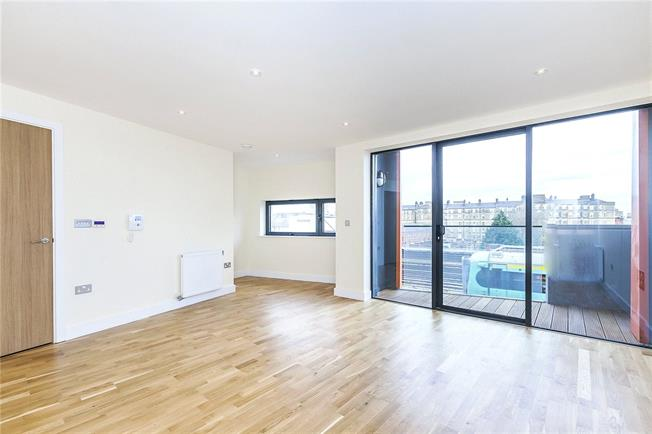 Asking Price £649,950, 2 Bedroom Flat For Sale in London, SE1