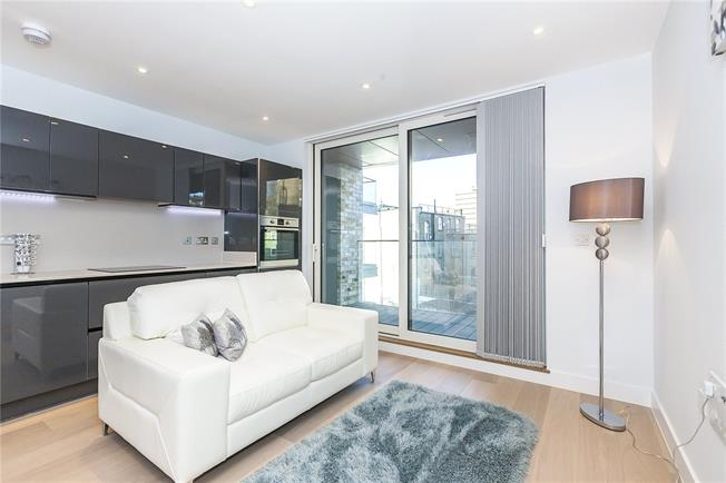 Asking Price £885,000, 2 Bedroom Flat For Sale in London, SE1