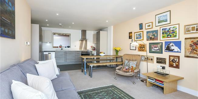 Asking Price £600,000, 2 Bedroom Flat For Sale in London, SE16