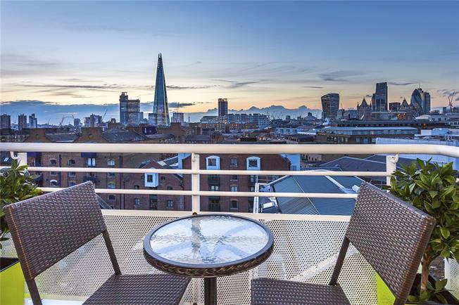 Asking Price £1,550,000, 3 Bedroom Flat For Sale in London, SE1