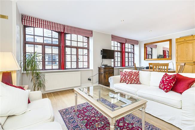 Asking Price £585,000, Flat For Sale in London, SE1