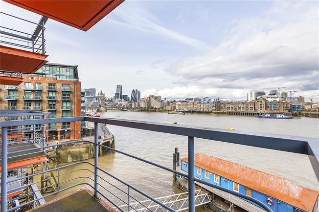 Asking Price £1,050,000, 2 Bedroom Flat For Sale in London, SE1