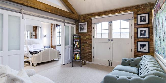Guide Price £1,250,000, 2 Bedroom Flat For Sale in London, SE16