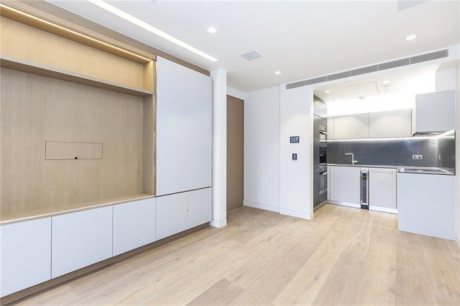 Asking Price £980,000, 1 Bedroom Flat For Sale in London, SE1