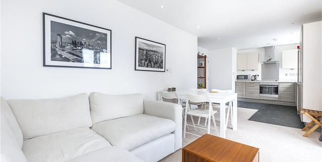 Asking Price £625,000, 2 Bedroom Flat For Sale in London, SE16