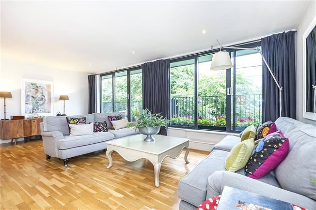 Asking Price £999,950, 2 Bedroom Flat For Sale in London, SE1