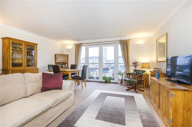 Offers in excess of £500,000, 2 Bedroom Flat For Sale in London, SE16