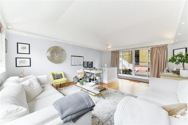 Asking Price £1,085,000, 2 Bedroom Flat For Sale in London, SE1