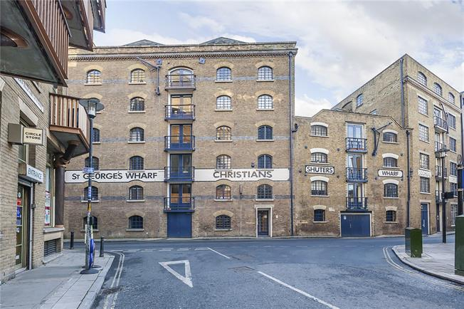 Asking Price £875,000, 2 Bedroom Flat For Sale in London, SE1
