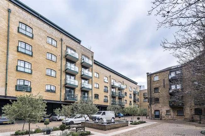 Asking Price £1,200,000, 2 Bedroom Flat For Sale in London, SE1