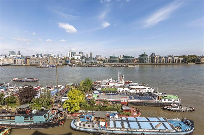 Asking Price £1,400,000, 2 Bedroom Flat For Sale in London, SE16
