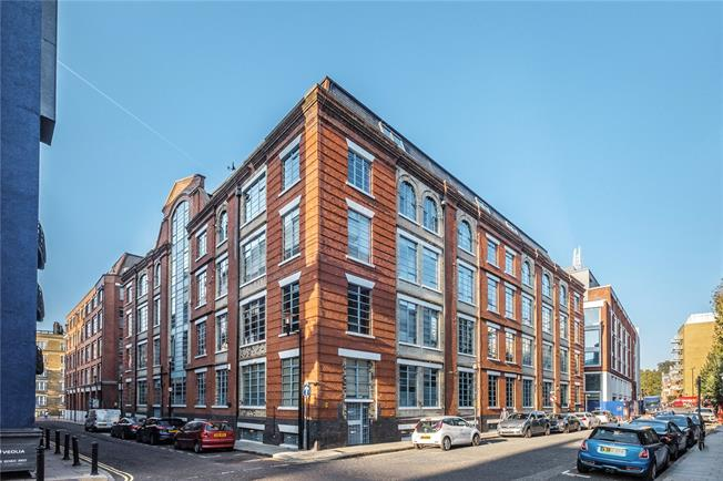 Asking Price £1,350,000, 2 Bedroom Flat For Sale in Shad Thames, SE1