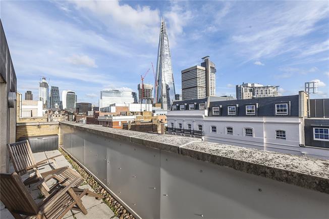 Asking Price £1,075,000, 2 Bedroom Flat For Sale in London, SE1