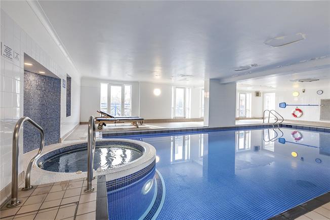 Asking Price £575,000, 2 Bedroom Flat For Sale in London, SE16
