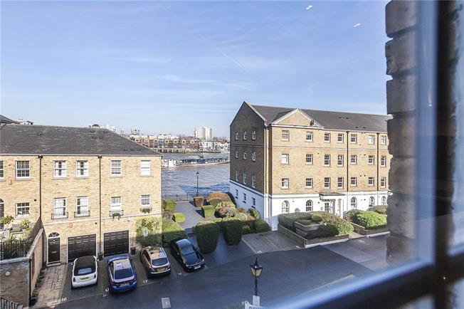 Asking Price £500,000, 2 Bedroom Flat For Sale in London, SE16