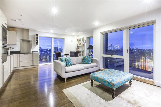 Asking Price £650,000, 2 Bedroom Flat For Sale in London, SE16