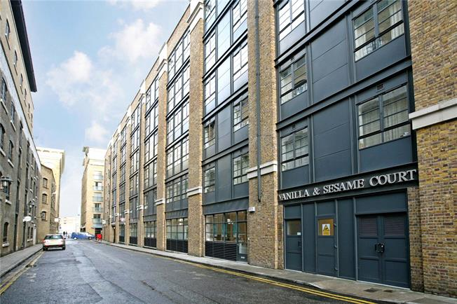 Asking Price £765,000, 2 Bedroom Flat For Sale in London, SE1