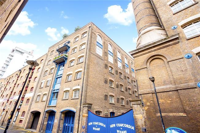 Asking Price £1,750,000, 2 Bedroom Flat For Sale in London, SE1