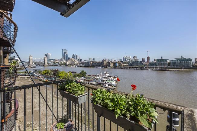 Asking Price £1,650,000, 2 Bedroom Flat For Sale in London, SE16