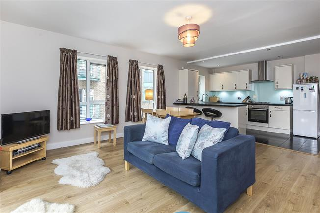 Asking Price £750,000, 2 Bedroom Flat For Sale in London, SE1
