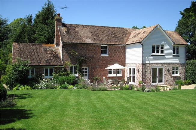 Asking Price £1,150,000, 4 Bedroom Detached House For Sale in Wadhurst, TN5