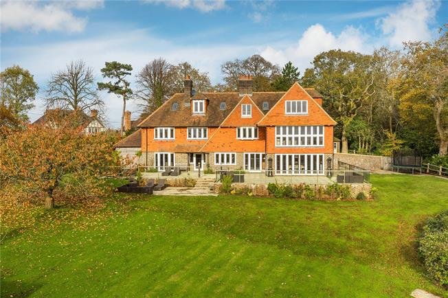 Asking Price £1,999,500, 6 Bedroom Detached House For Sale in Wadhurst, TN5