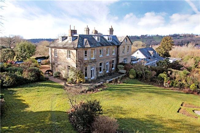 Asking Price £1,385,000, 5 Bedroom For Sale in Tunbridge Wells, TN3