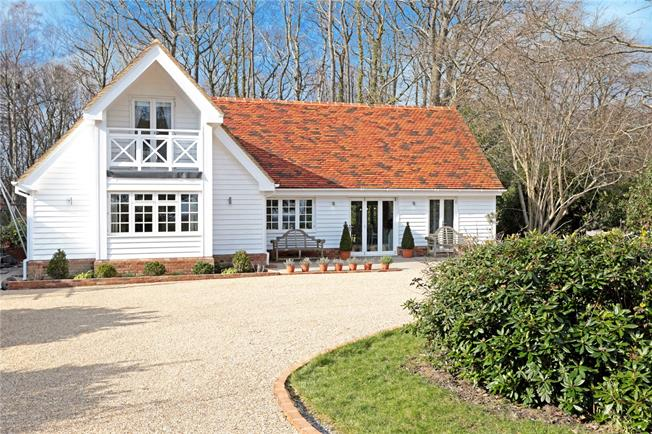 Asking Price £785,000, 3 Bedroom Detached House For Sale in East Sussex, TN19
