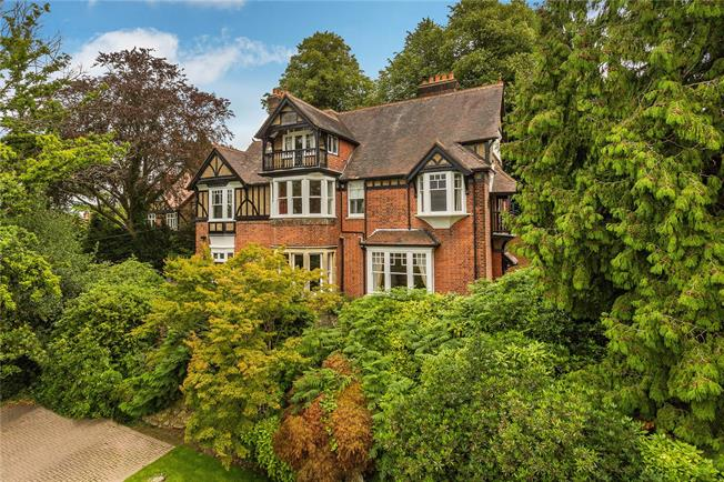 Asking Price £1,950,000, 9 Bedroom Detached House For Sale in Tunbridge Wells, TN2