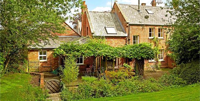 Guide Price £775,000, 4 Bedroom House For Sale in Lamberhurst, TN3
