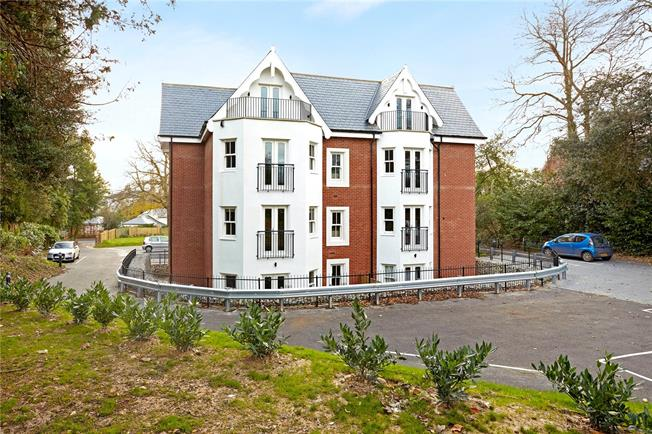 Offers in excess of £275,000, 1 Bedroom Flat For Sale in Tunbridge Wells, Kent, TN1