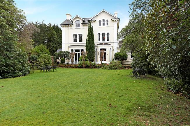 Asking Price £699,950, 3 Bedroom Flat For Sale in Kent, TN2